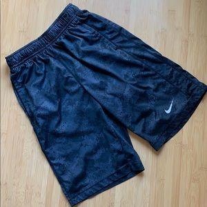 🍭Boys Nike Drifit shorts - M